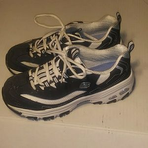 Skechers D'LITES WOMEN'S SNEAKERS SIZE 8.5
